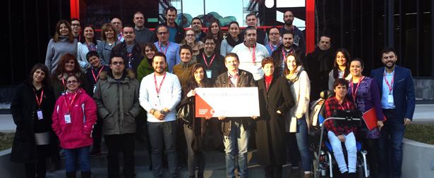 Foto de familia del encuentro de entidades mentoras de conectados por la accesibilidad