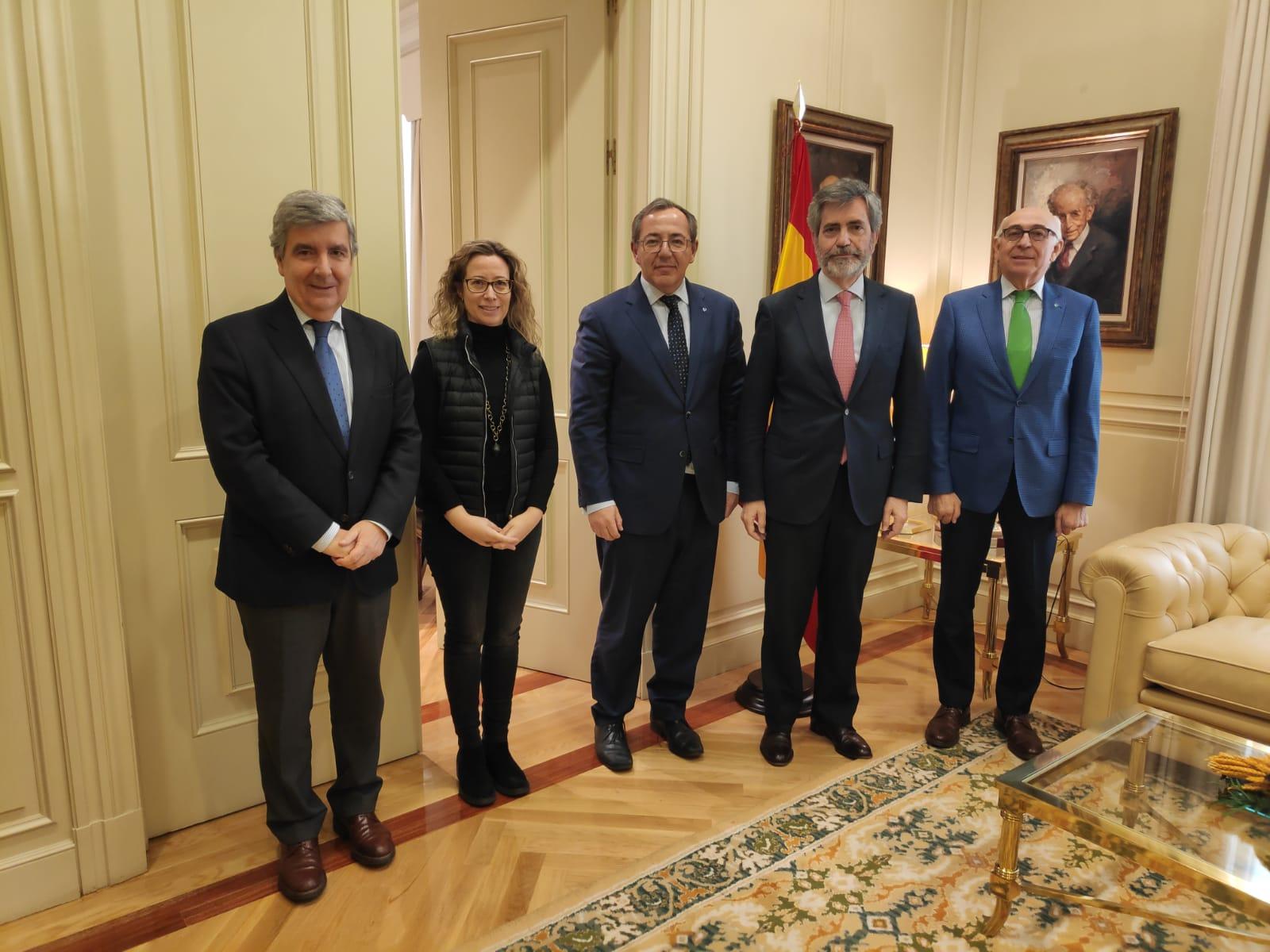 Asistentes a la reunión entre Carlos Lesmes y el presidente de CGPJ
