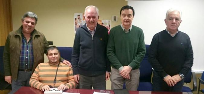 Foto de familia del nuevo Comité Ejecutivo de CERMI Extremadura