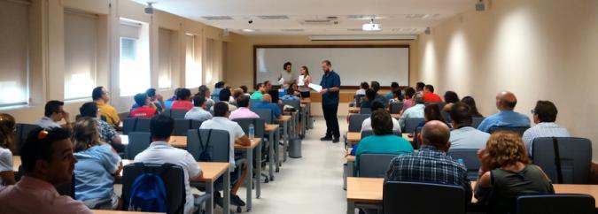 Imagen de una sesión del proyecto con personas con discapacidad intelectual