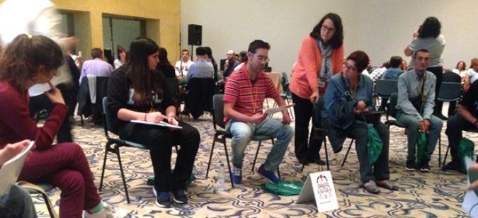 Imagen de uno de los talleres de experiencias del encuentro