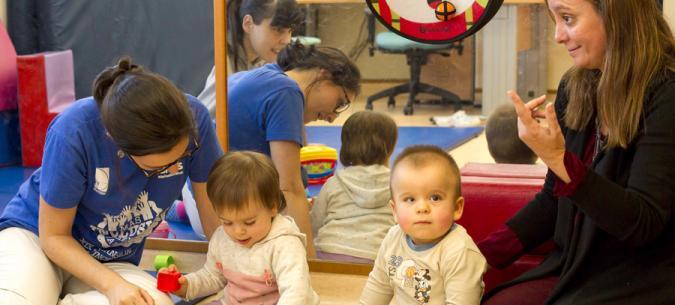 Niños con discapacidad en un servicio de atención temprana