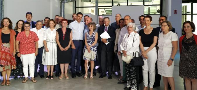 Foto de familia de los representantes del Tercer Sector con Pedro Sánchez