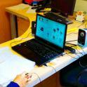 Persona con discapacidad de Ademo con el ordenador