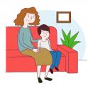 mujer y niño en un sofá