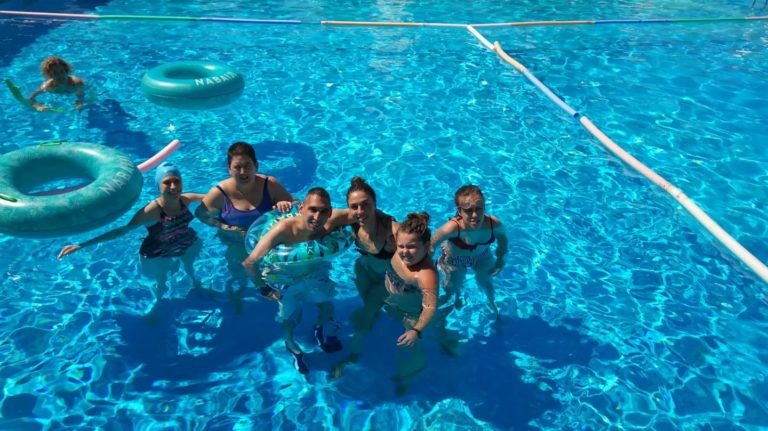 plena inclusión extremadura - piscina ocio respiro vacaciones
