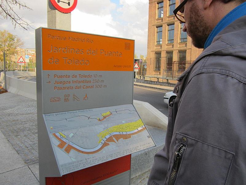 wayfinding madrid río commos señalización camino wikipedia