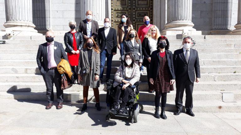 Representantes de la discapacidad tras la votación en el Congreso